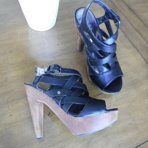 Guess Strappy Wooden Platform heels 6